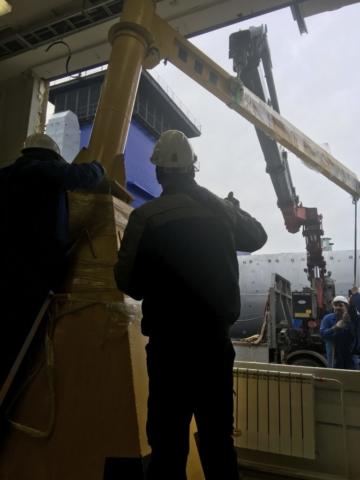 перевозка станков манипулятором в СПб