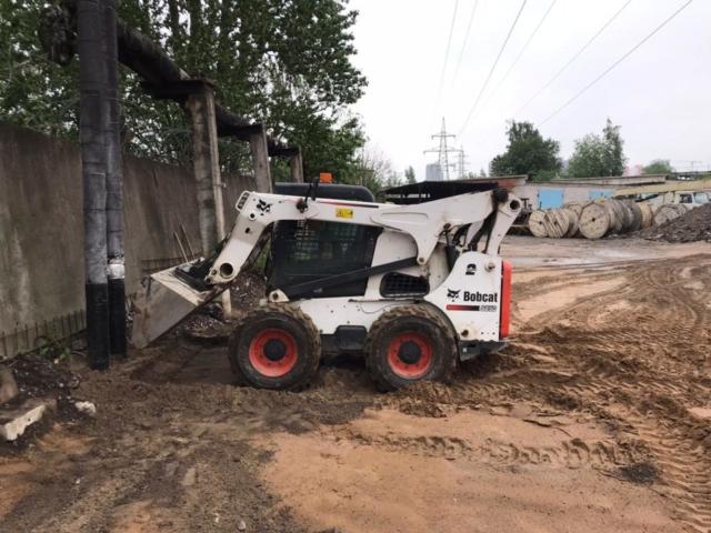 Мини погрузчик Bobcat S850 аренда в СПб