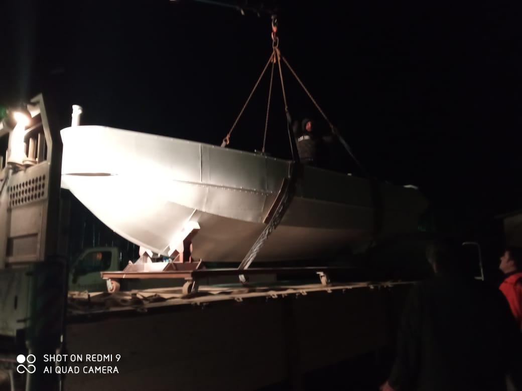 Заказать манипулятор для перевозки катера или яхты